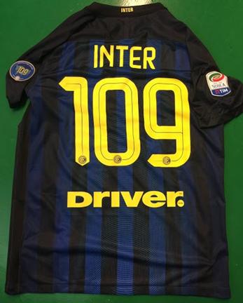 f1f5a981e19633 Non so pubblici ufficiali di Inter che saranno nella prossima partita  contro Atlanta Serie A di indossare questa maglia, dobbiamo aspettare e  vedere!